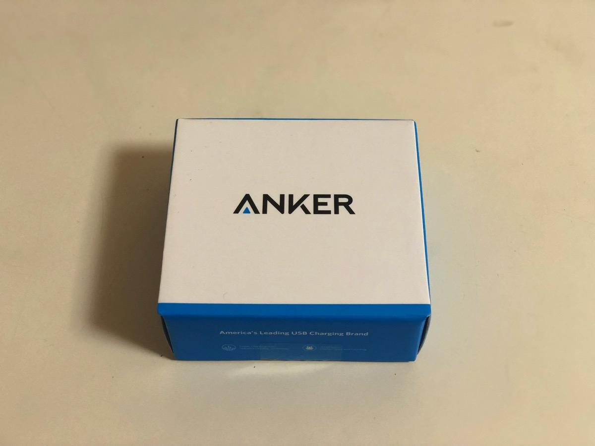 Anker PowerPort Qi 10 10W プレミアムワイヤレス充電器を購入しました。